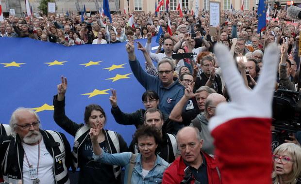 Manifestacje w Polsce przeciwko ustawie o SN. Gersdorf: Nie doszliśmy z prezydentem do konsensusu