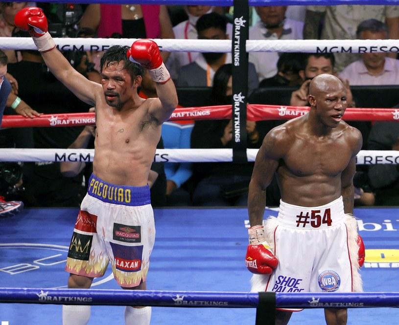 Manny Pacquiao (z lewej) /AFP