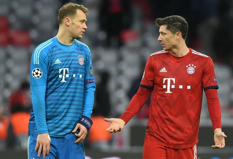 Manuel Neuer w rozmowie z Robertem Lewandowskim /CHRISTOF STACHE /AFP