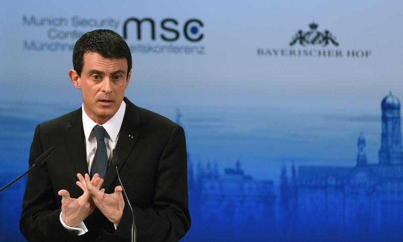 Manuel Valls na konferencji w Monachium /CHRISTOF STACHE / AFP /AFP