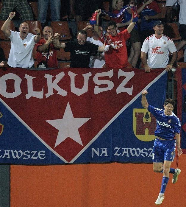 Maor Melikson cieszy swą grą Polaków, więc chcą go widzieć w reprezentacji. /PAP