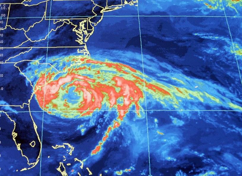 Mapa satelitarna huraganu /ASSOCIATED PRESS/FOTOLINK  /East News