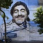 Maradona z aureolą na muralu w Buenos Aires