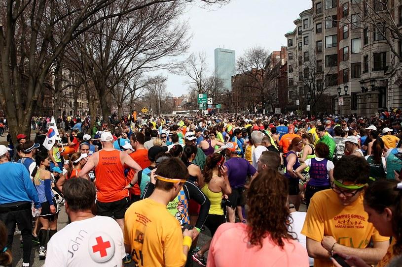 Maratończycy po eksplozjach w pobliżu trasy 117. Maratonu Bostońskiego. /AFP