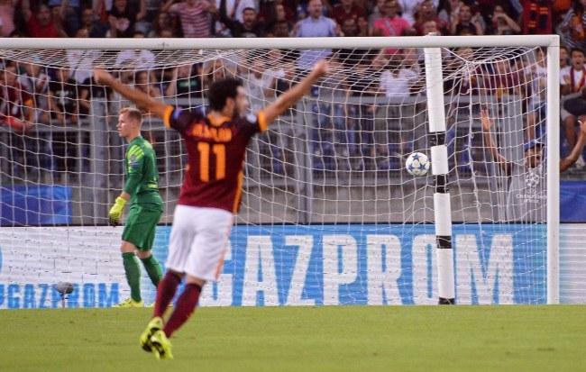 Marc-Andre ter Stegen był bezradny, a radość piłkarzy Romy ogromna po golu Alessandro Florenziego /MAURIZIO BRAMBATTI /PAP/EPA