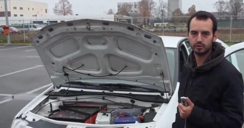Marc Areny i jego naprawdę tani elektryczny samochód /YouTube