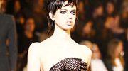 Marc Jacobs wypuścił na wybieg modelkę topless