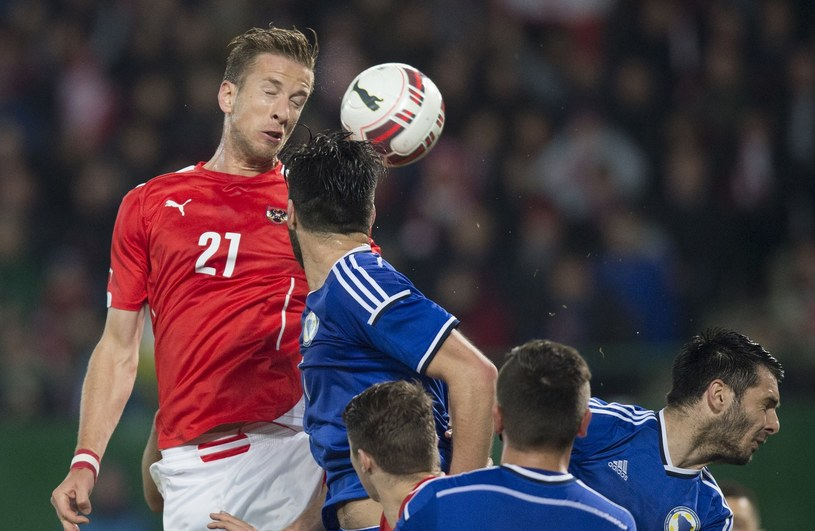 Marc Janko (z lewej) miał kilka okazji w meczu z Mołdawią /AFP /AFP