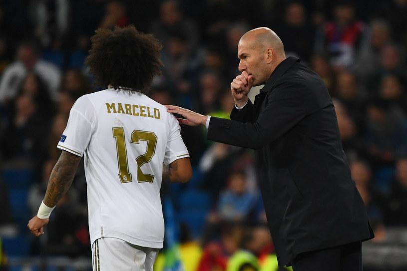 Marcelo i udzielający mu wskazówek Zinedine Zidane /East News /East News