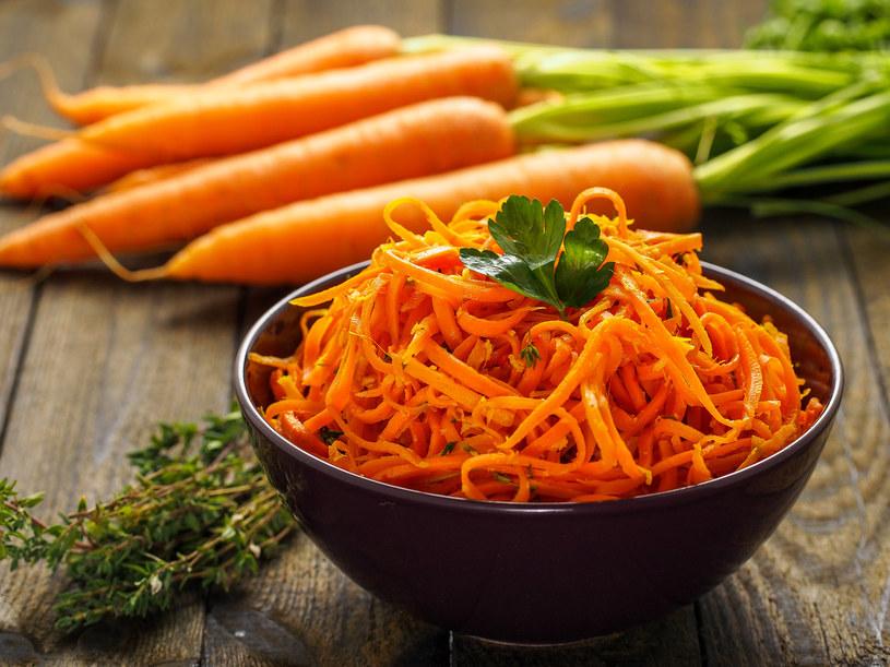 Marchew to warzywo bogate w karotenoidy /123RF/PICSEL
