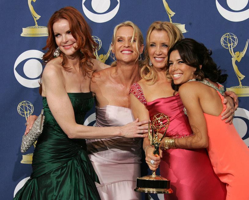 Marcia Cross, Nicollette Sheridan, Felicity Huffman i Eva Longoria na rozdaniu nagród Emmy 2005 /Kevin Winter /Getty Images