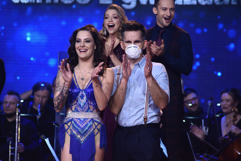 Marcin Bosak jako jedyny z uczestników show poważnie potraktował zalecane środki ostrożności /VIPHOTO /East News