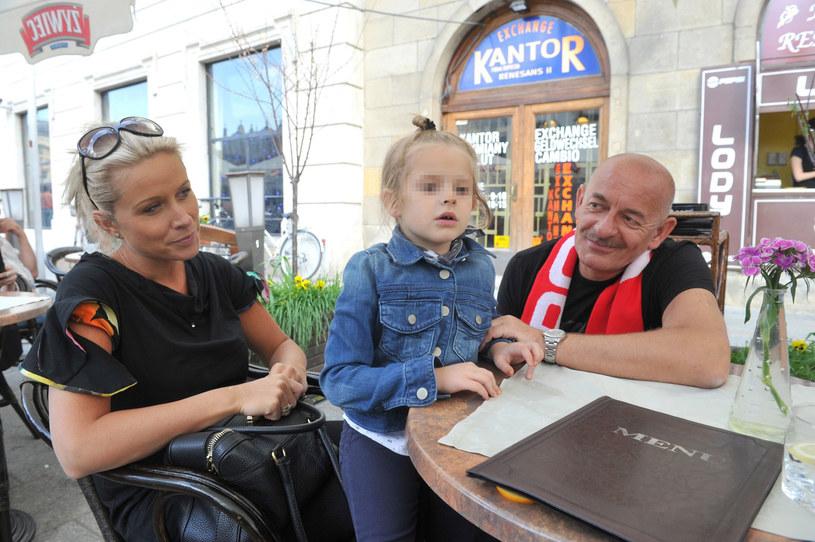 Marcin Daniec z żoną i córką /Wacław Klag /East News