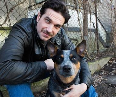 Marcin Dorociński w duecie z psem