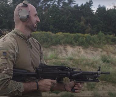 Marcin Gortat testuje bronie z popularnych gier