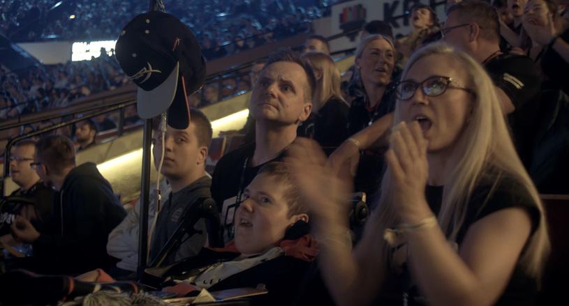 Marcin 'Kofin' Bielańczuk z rodzicami podczas Intel Extreme Masters w Katowicach / © Konrad Wójciów /materiały źródłowe