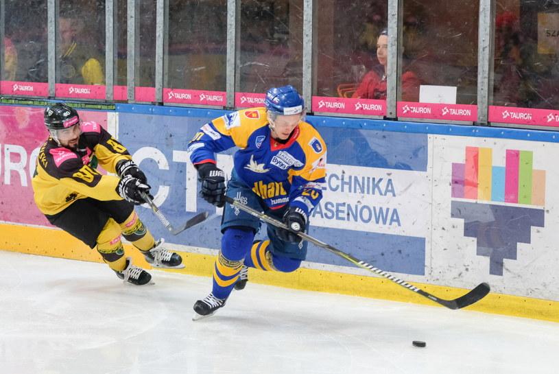 Marcin Kolusz (przy krążku) /Hanna Bardo /PAP