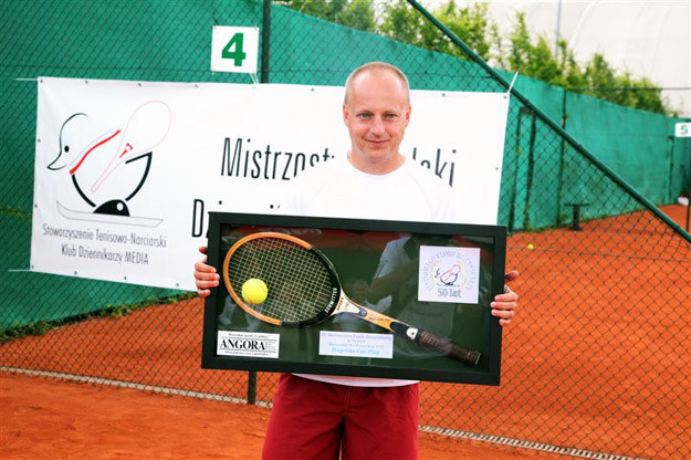 Marcin Kwiatkowski z nagrodą fair play              Fot.Tomasz Barański/SETPRESS /INTERIA.PL