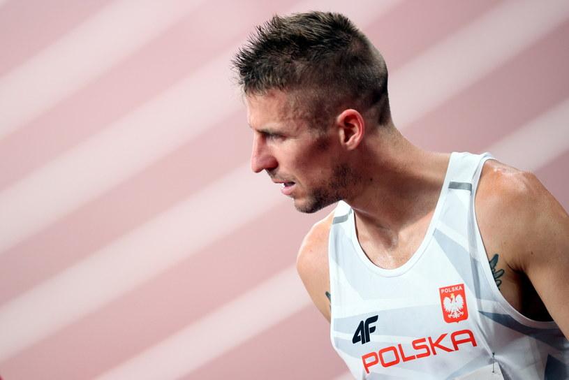 Marcin Lewandowski pokazuje na każdym kroku, jak wartościowym jest człowiekiem / Leszek Szymański    /PAP
