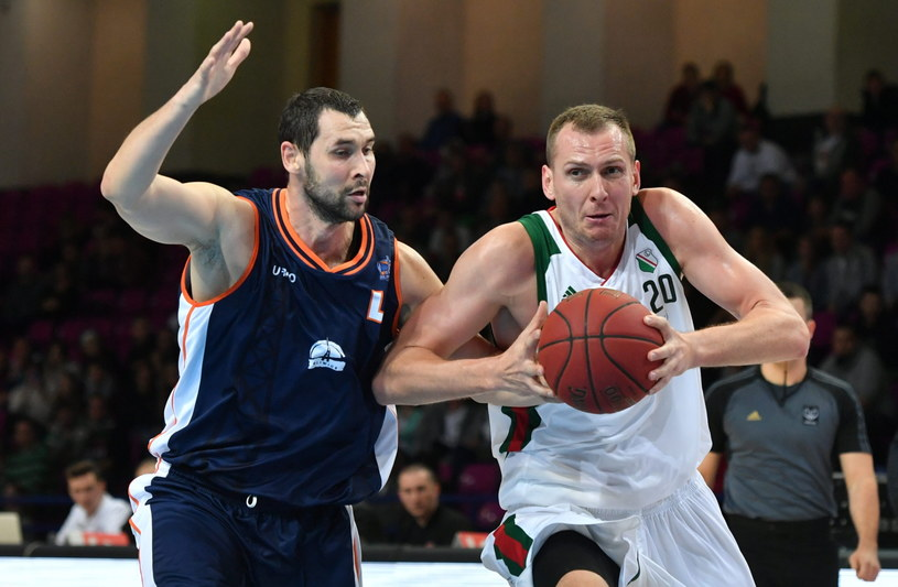 Marcin Salamonik z GTK Gliwice (z lewej) i Mateusz Jarmakowicz z Legii /Fot. Bartłomiej Zborowski /PAP