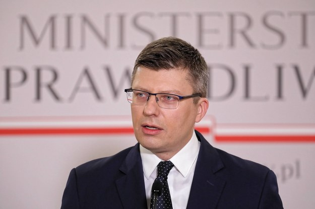 Marcin Warchoł w siedzibie resortu sprawiedliwości. Styczeń 2021. /Paweł Supernak /PAP