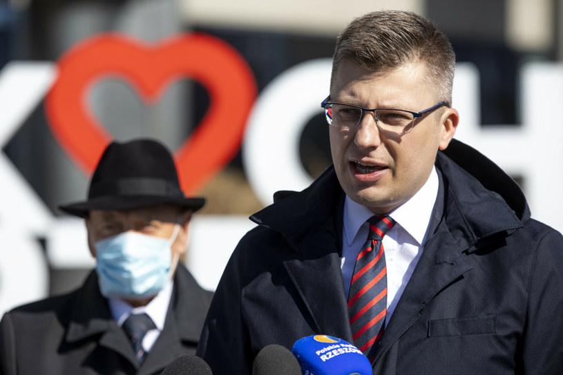 Marcin Warchoł, w tle Tadeusz Ferenc /Grzegorz Bukala /East News