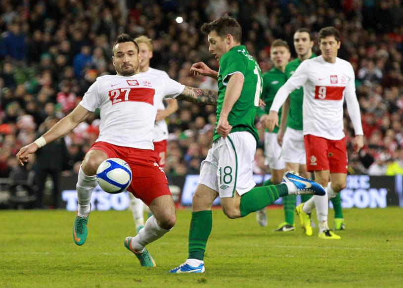 Marcin Wasilewski wraca do gry (tu przeciwko Wesowi Hoolahanowi w meczu z Irlandią). /AFP