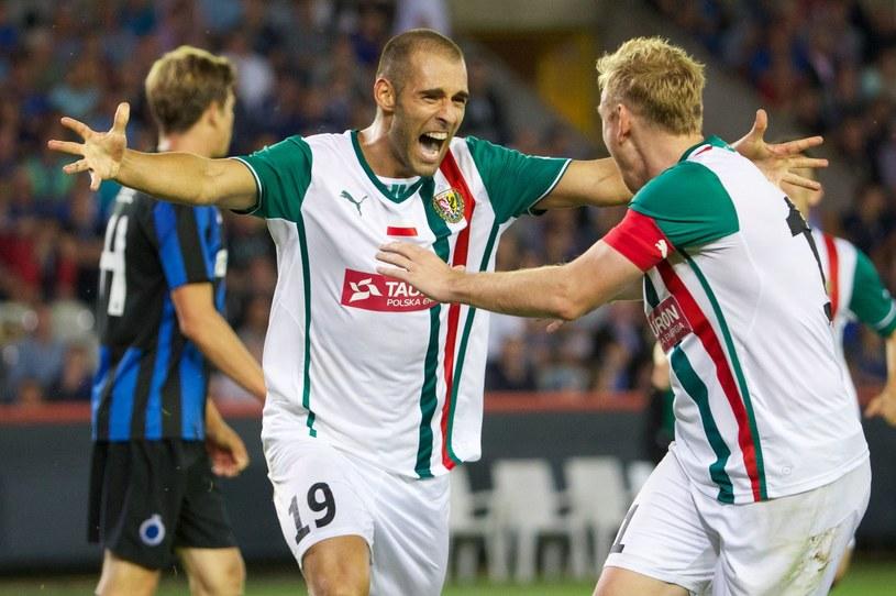 Marco Paixao (w środku) nie będzie już grał w Śląsku Wrocław. Zastapi go Kamil Biliński? /Kurt Desplenter /AFP