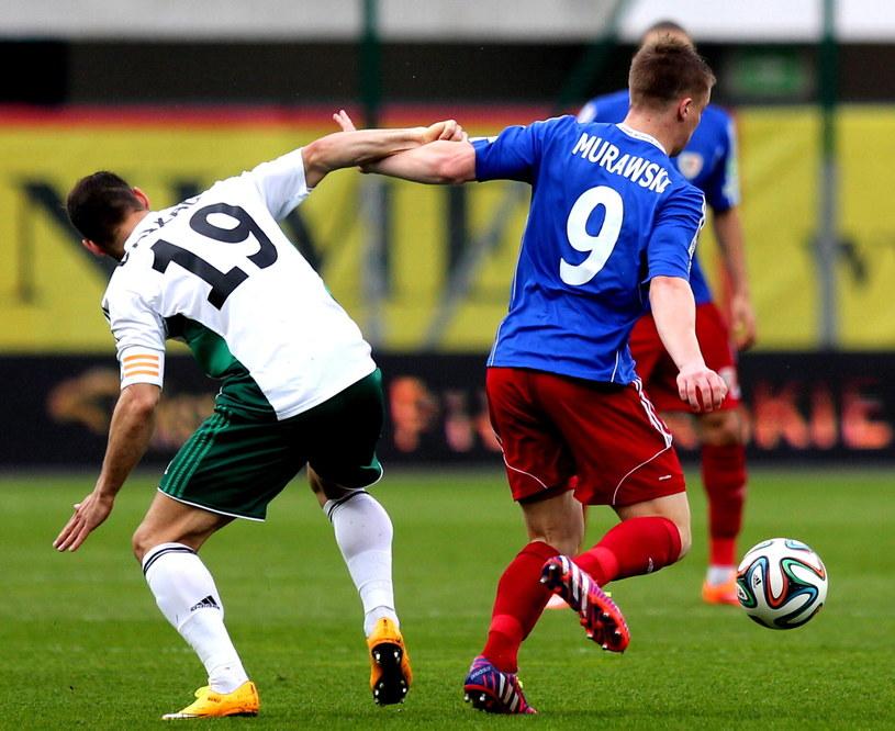 Marco Paixao (z lewej) w meczu z Piastem Gliwice /Fot. Andrzej Grygiel /PAP