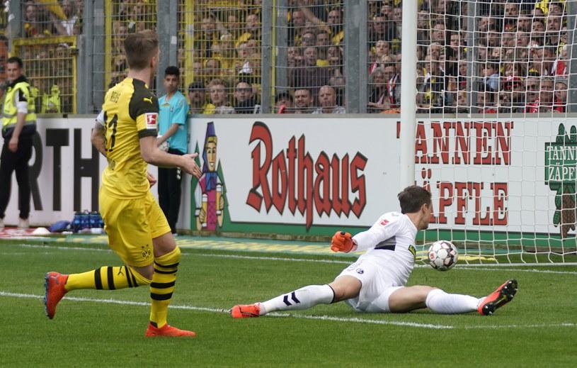 Marco Reus strzela gola na 2-0 /PAP/EPA