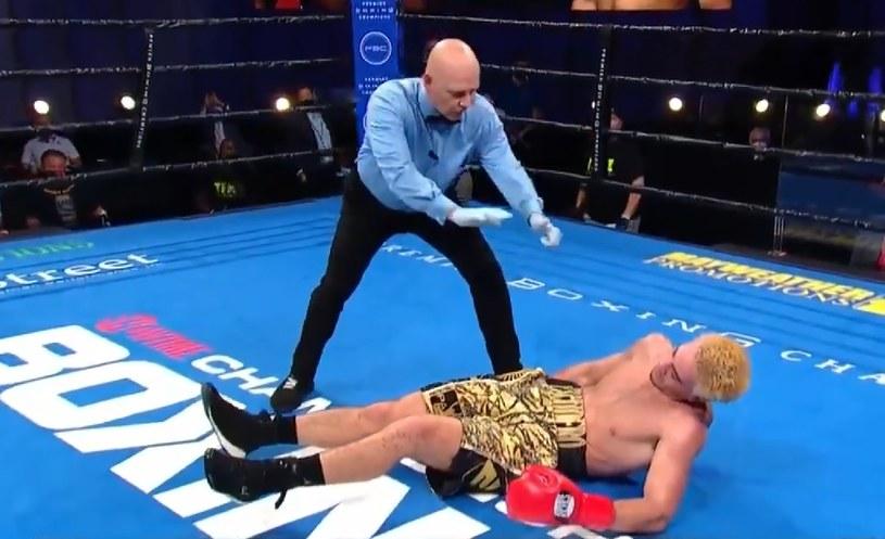 Marcos Escudero został skoszony z nóg. Ciężki nokaut! /Twitter/Showtime Boxing /