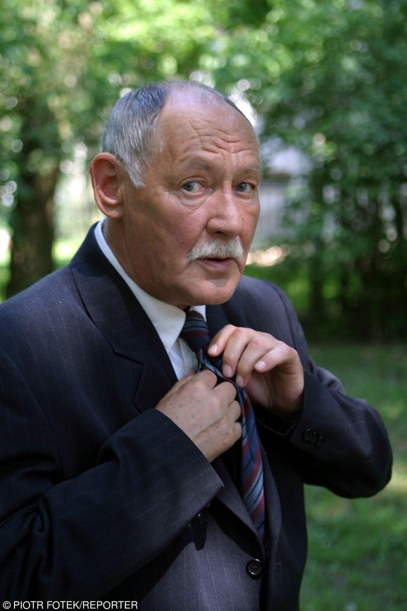 """Marek Bargiełowski w 2005 roku na planie serialu """"Dom (Nie)Spokojnej Starości"""" /Piotr Fotek /Reporter"""