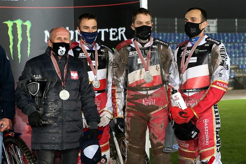 Marek Ciieślak z drużyną na podium Speedway of Nations 2020 /Jarosław Pabijan /Newspix