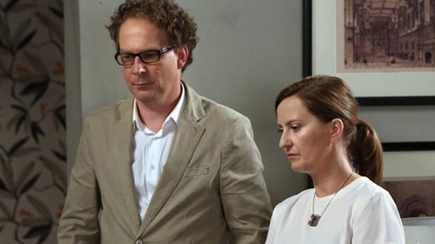 Marek jest zły na Ninę, że spotkała się z Marią i powiedziała jego żonie o swoich uczuciach do niego. /www.barwyszczescia.tvp.pl/
