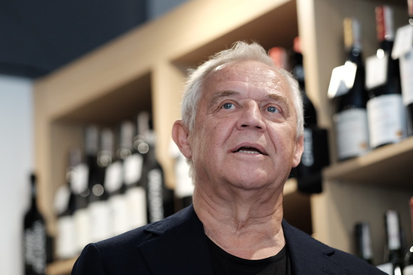 Marek Kondrat w 2017 roku w swoim sklepie z winami /ADRIAN WYKROTA/POLSKA PRESS  /East News