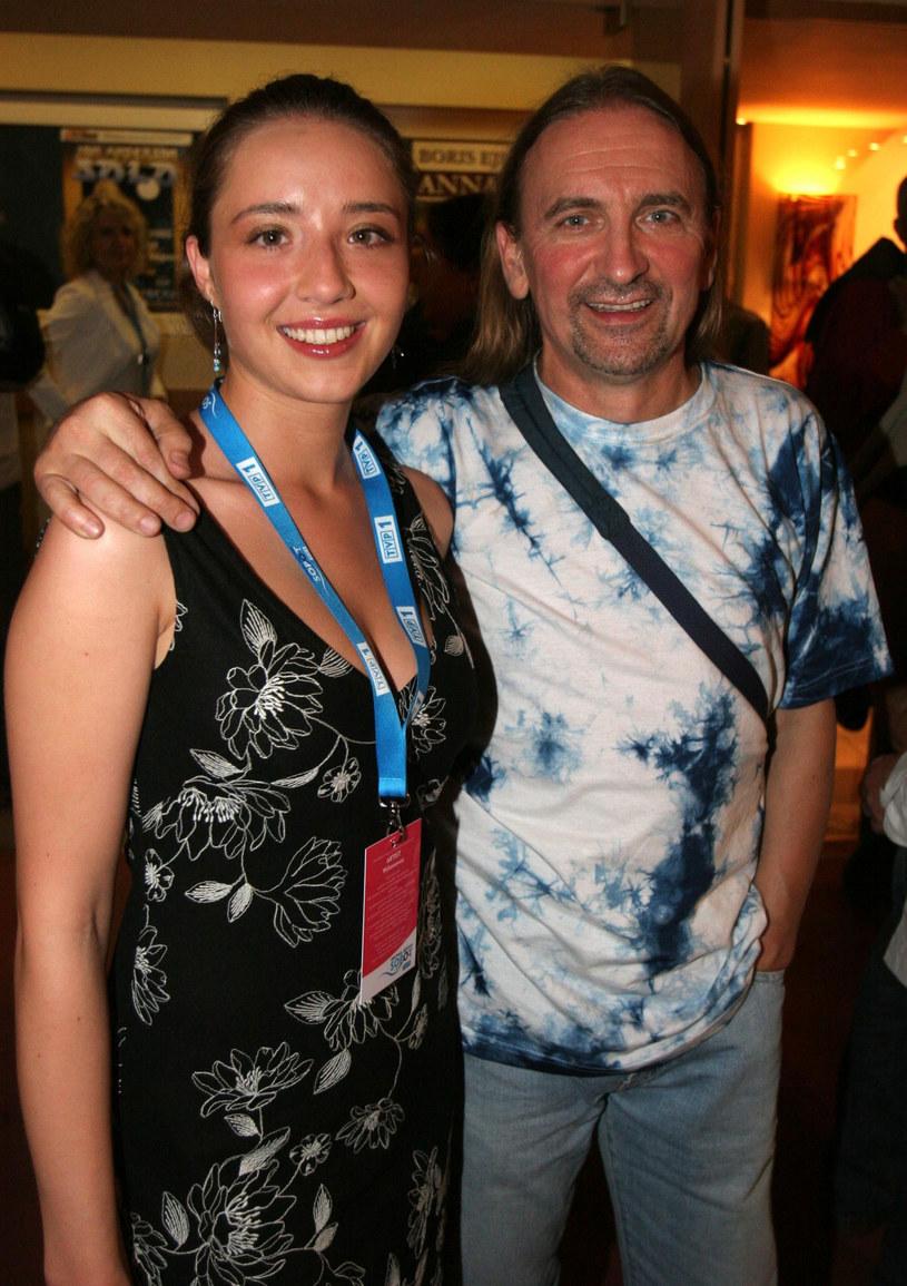 Marek Piekaczyk ze swoją żoną Katarzyną Rogalską-Piekarczyk (2005 r.) /Piotr Fotek /Reporter