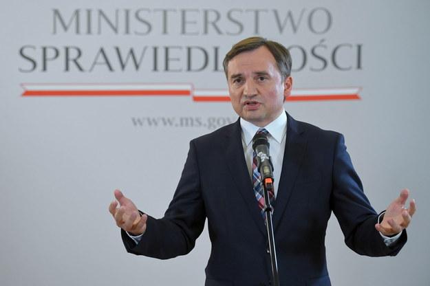 Marek Suski w Porannej rozmowie w RMF FM zasugerował, że Zbigniew Ziobro może stracić stanowisko szefa resortu sprawiedliwości / Radek Pietruszka   /PAP
