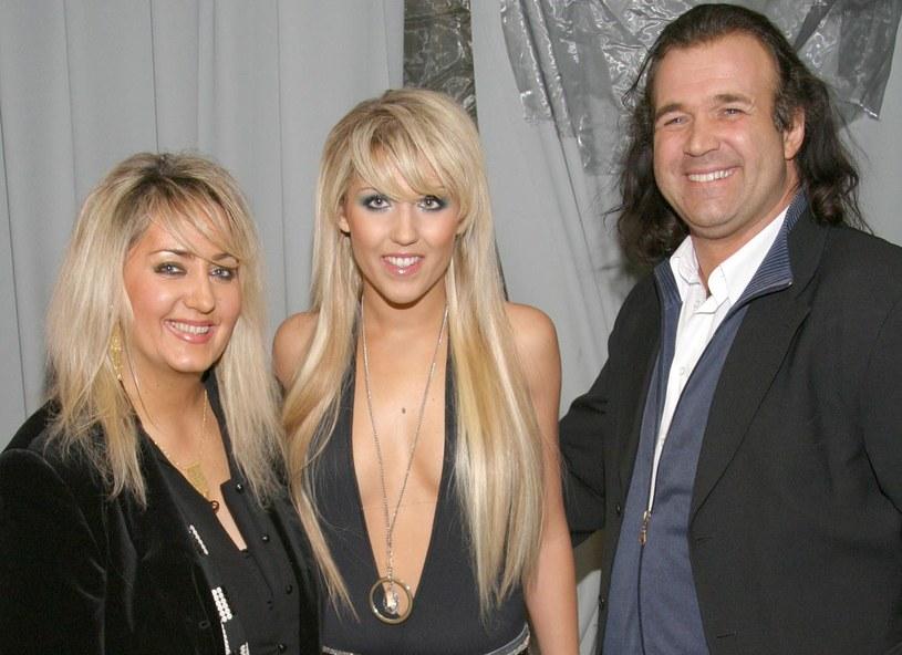Marek Torzewski z żoną i córką /AIM /AIM
