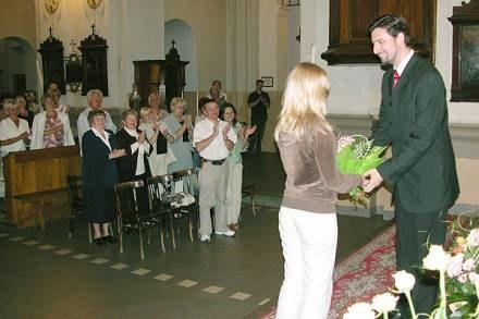 Marek Vrábel został nagrodzony owacją na stojąco i kwiatami/fot. M. Wiewiórska /Sztafeta
