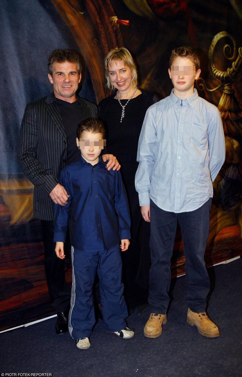 Marek z byłą partnerką i synami /- /East News