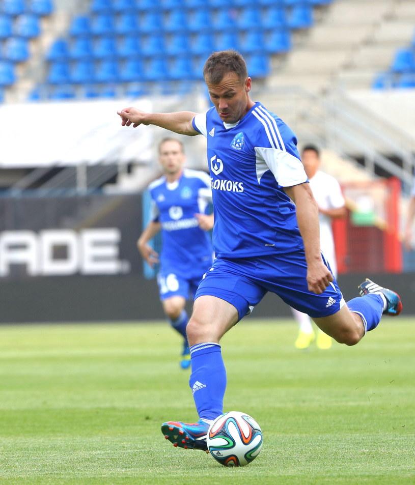 Marek Zieńczuk podczas pierwszego meczu z Vaduz /Marek Zimny /PAP