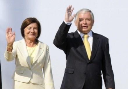 Maria i Lech Kaczyńscy mieli odwiedzić Chicago za dwa tygodnie /AFP