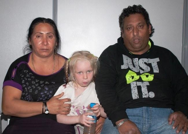 Maria i romska para, która ją wychowywała. /GREEK POLICE /PAP/EPA
