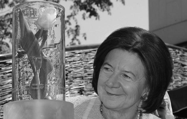 Maria Kaczyńska z tulipanem nazwanym jej imieniem i nazwiskiem, fot.Stefan Maszewski