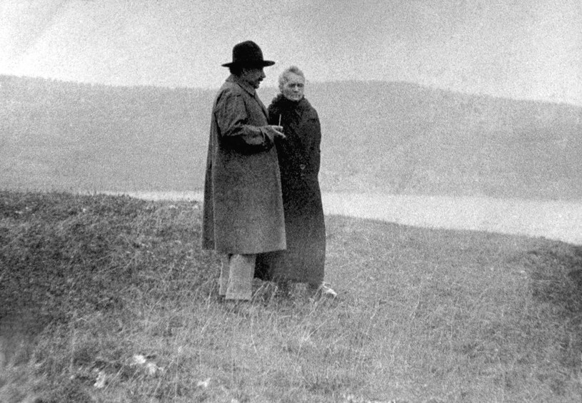 Maria Skłodowska-Curie i Albert Einstein - dwoje wielkich naukowców XX wieku. Genewa, rok 1925 /AFP