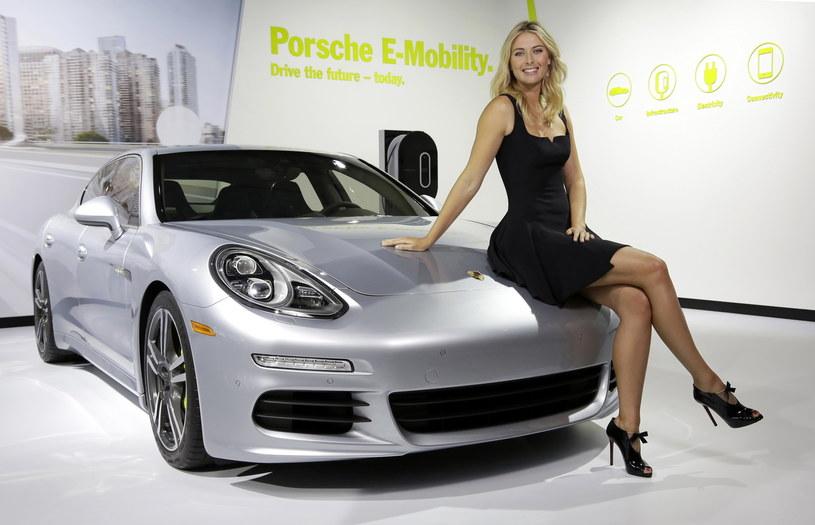 Maria Szarapowa i Porsche Panamera /