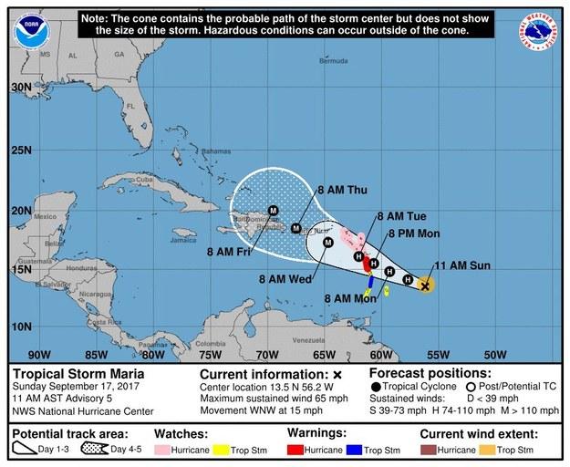 Maria w poniedziałek wieczorem albo we wtorek ma uderzyć w należące do Francji wyspy Gwadelupa i Martynika na karaibskich Małych Antylach /National Hurricane Center  /PAP/EPA
