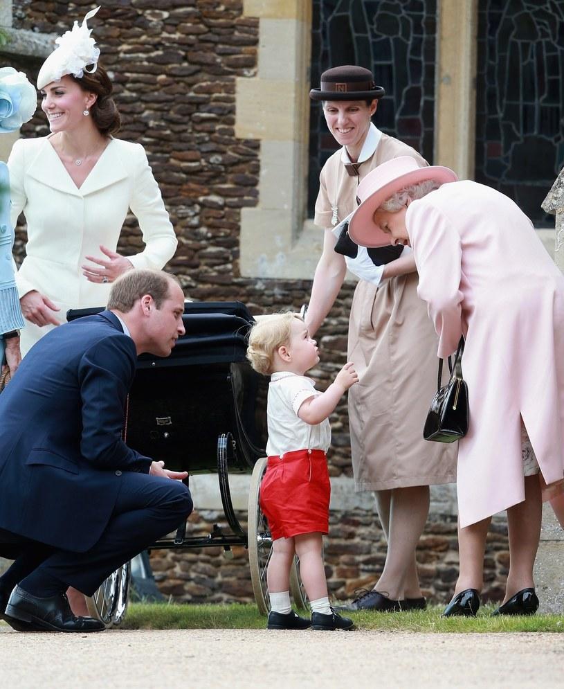Maria z rodziną królewską /East News