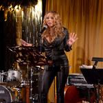Mariah Carey świeci biustem na imprezie!