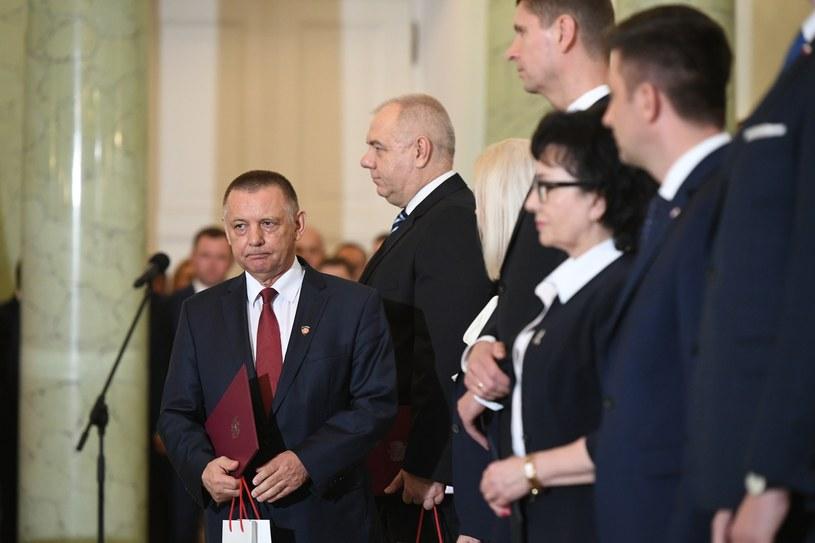 Marian Banaś podczas zaprzysiężenia (pierwszy z lewej) /Rafał Oleksiewicz /Reporter